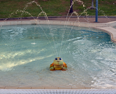 Sprinkler in childrens pool